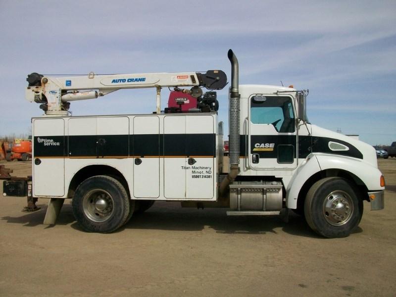 2004 Kenworth T300 Service Truck with Crane Camion de Servicios a la venta
