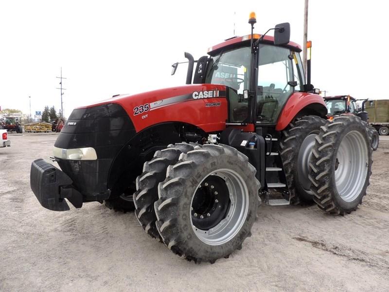 2014 Case IH MAGNUM 235 CVT Tractor For Sale