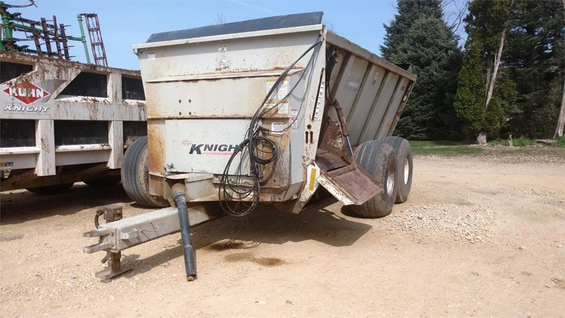 Kuhn Knight 8132 Manure Spreader-Dry For Sale