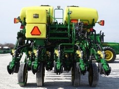 Planter For Sale John Deere BA31026