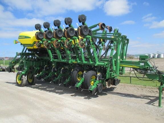 2012 John Deere 1790 Planter For Sale