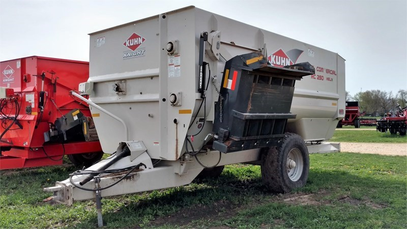 Kuhn Knight RC250 Feeder Wagon-Portable For Sale