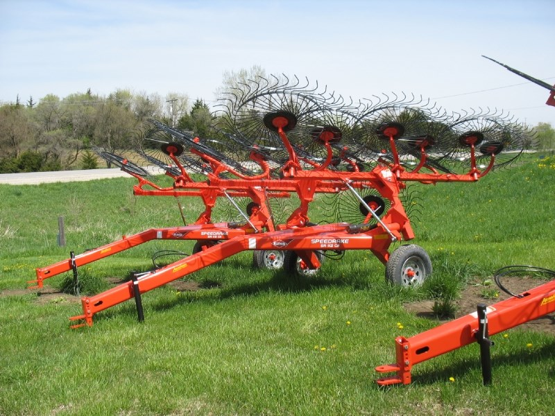 2017 Kuhn SR112 GEN II Hay Rake-Wheel For Sale