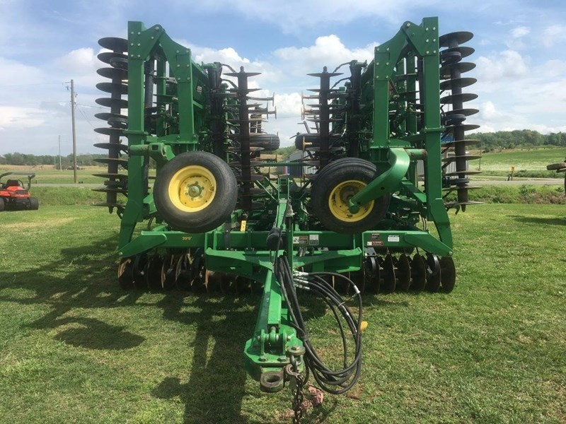 2011 John Deere 2310 Field Cultivator For Sale