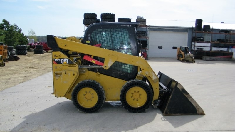 2016 Caterpillar 232D  Skid Steer For Sale