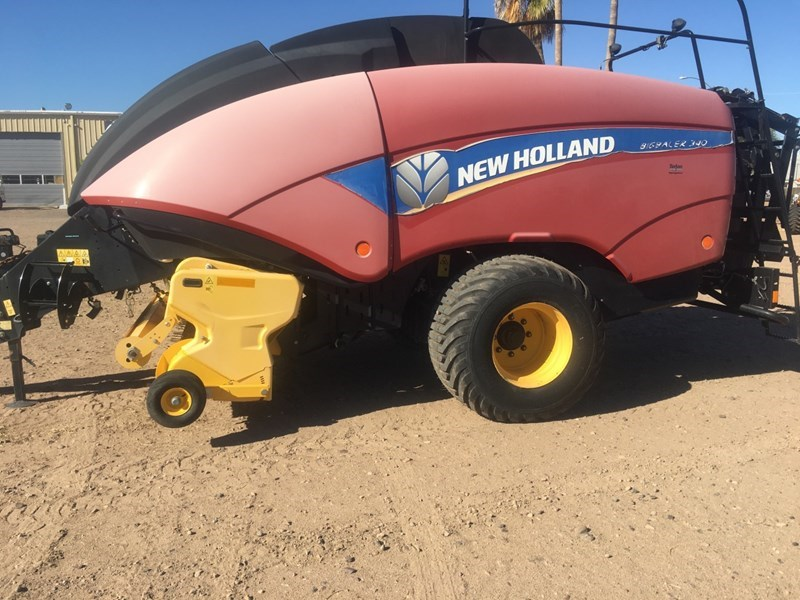 2015 New Holland BB340S Baler-Big Square