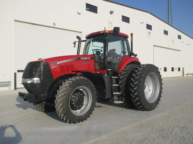 2014 Case IH MAGNUM 190 Tractor For Sale