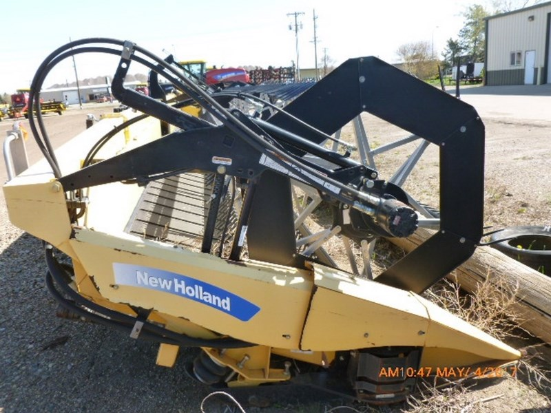 2009 New Holland 88C, 42', Fits CR/CX Adapters, Full Plastic Finger Cosechadora con Draper flexible a la venta