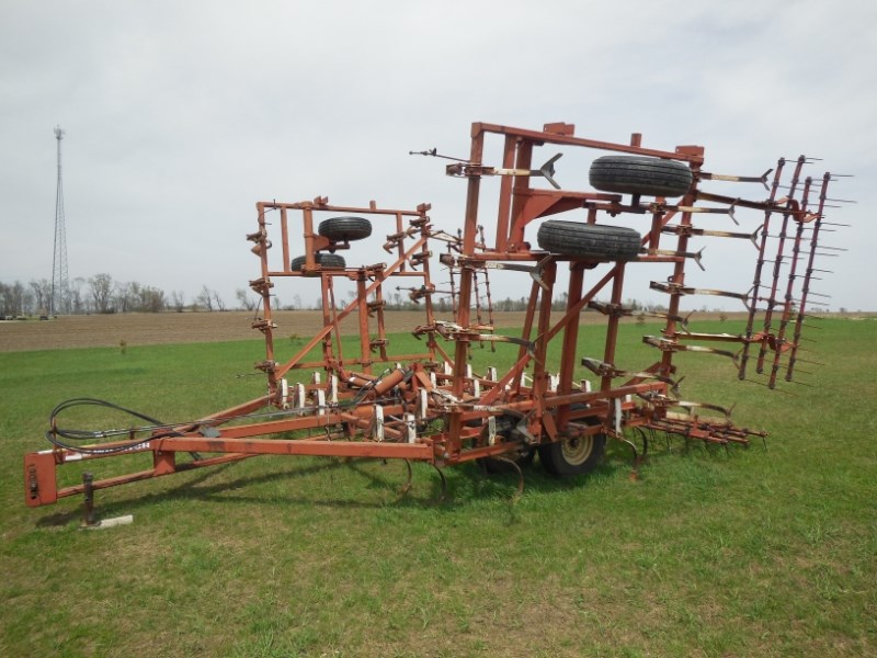 Wil-Rich  Field Cultivator For Sale