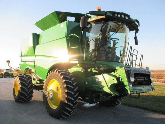 2016 John Deere S670 Combine For Sale