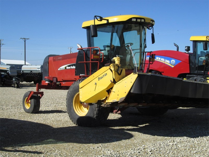 2005 New Holland HW365 Windrower-Self Propelled For Sale