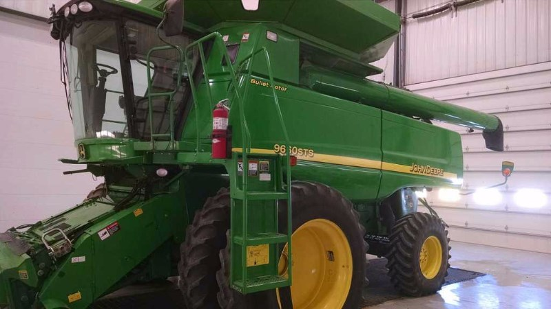 2006 John Deere 9660 Combine For Sale