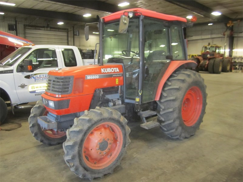 2001 Kubota M6800DTHS Tractor For Sale