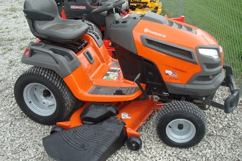 Riding Mower For Sale:  2015 Husqvarna GT54LS , 24 HP