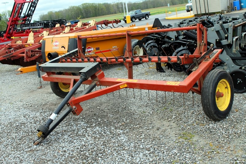 Pequea 910 Tedder For Sale