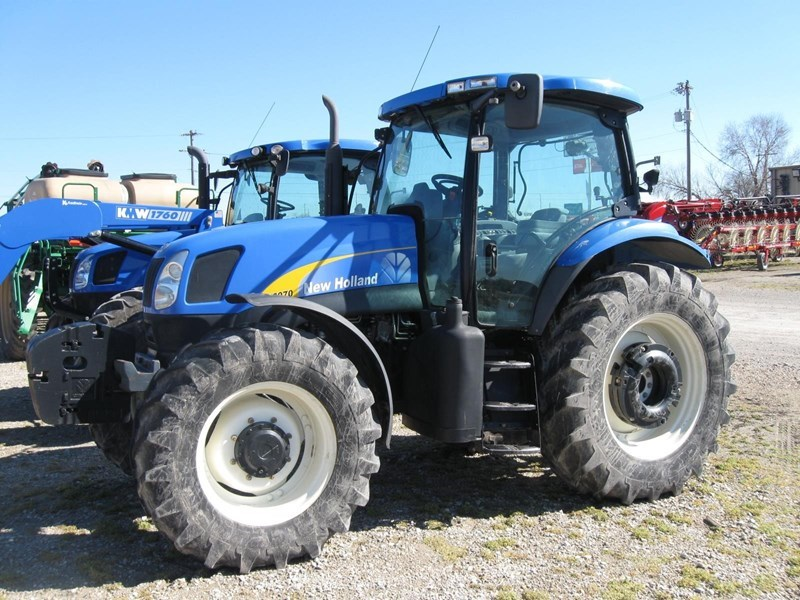 2007 New Holland T6070 PLUS Tractor For Sale