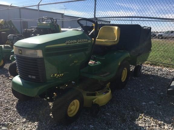 1999 John Deere LX277 Riding Mower For Sale
