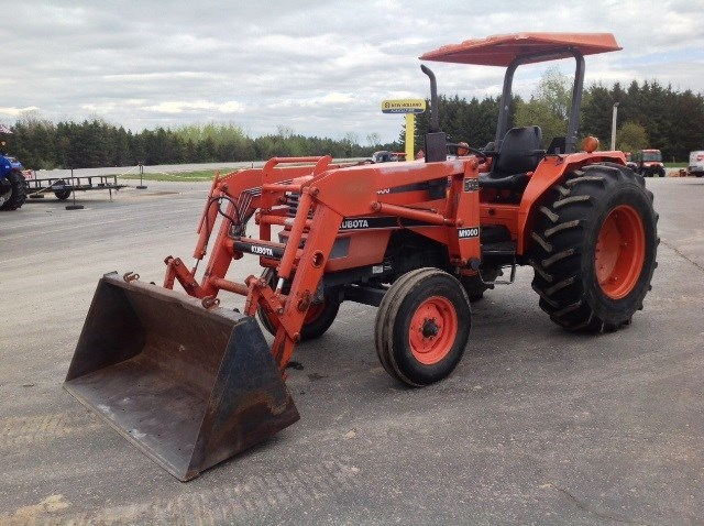 1996 Kubota M5400F Tractor For Sale