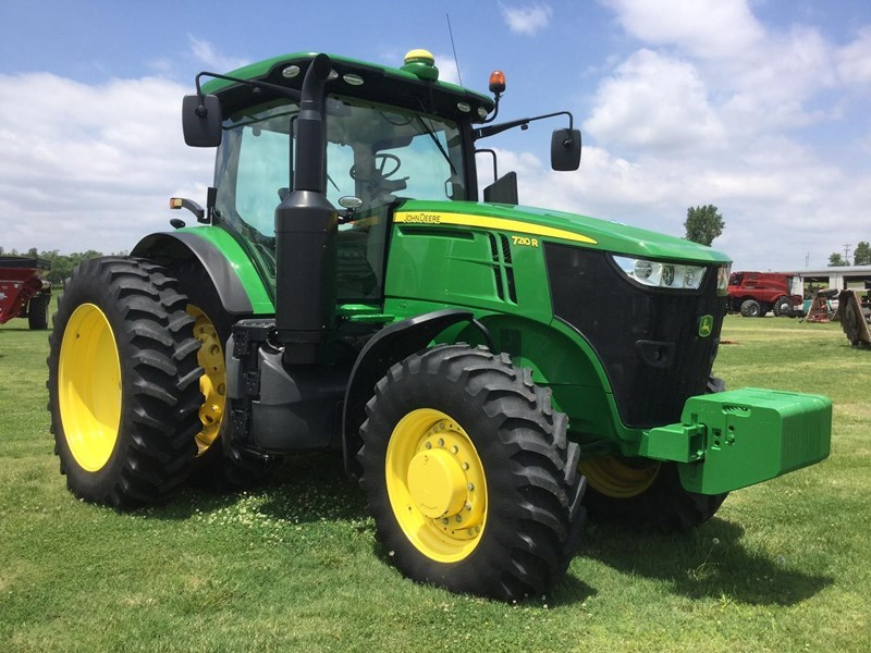 2015 John Deere 7210R Tractor For Sale