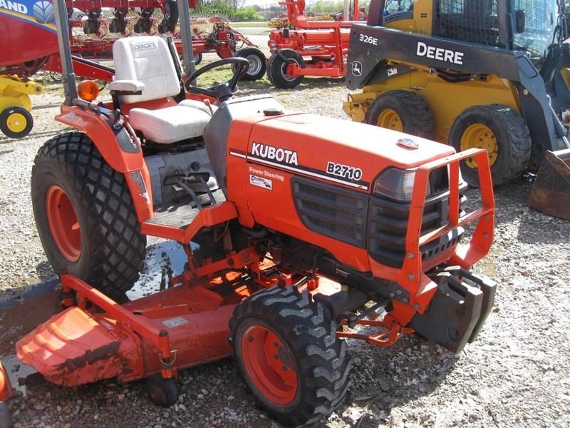 2002 Kubota B2710HSD Tractor For Sale