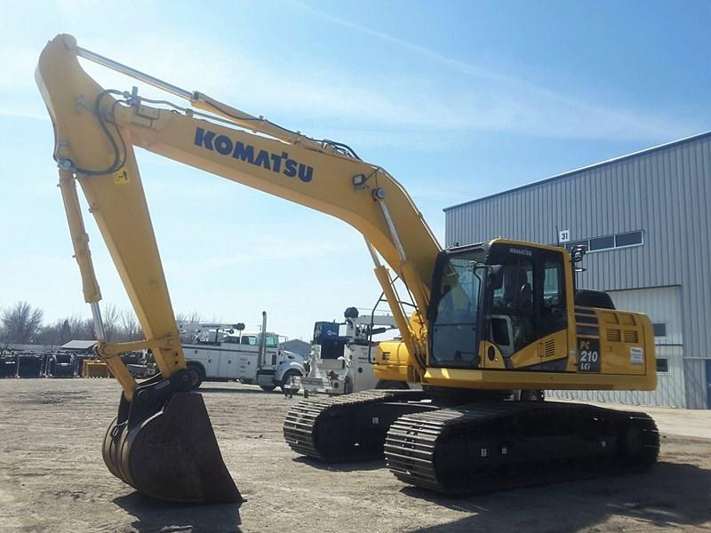 2016 Komatsu PC210LCI-10 Excavator For Sale