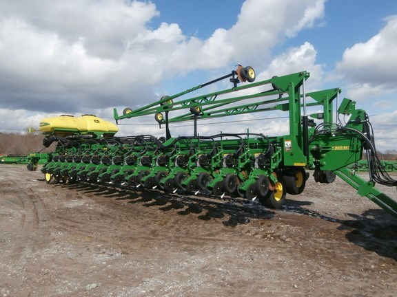2013 John Deere DB90 Planter For Sale