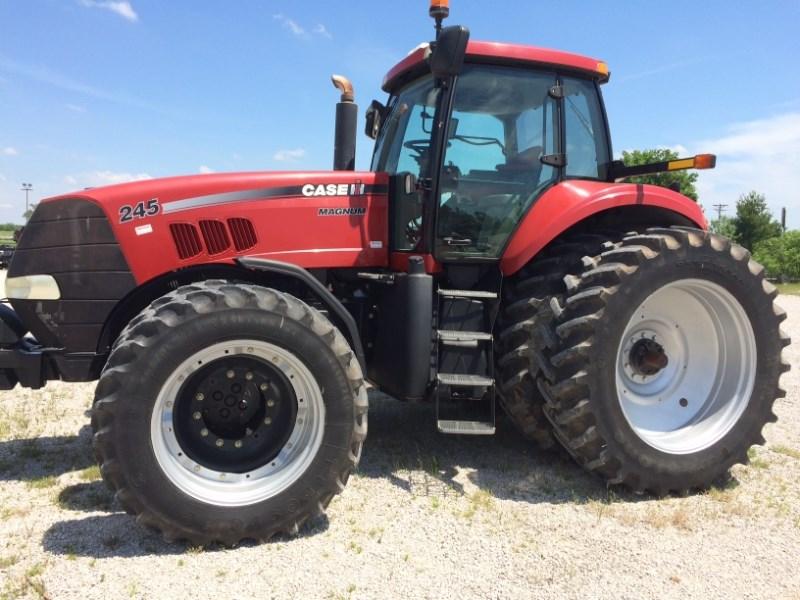 2009 Case IH MAGNUM 245 Tractor For Sale