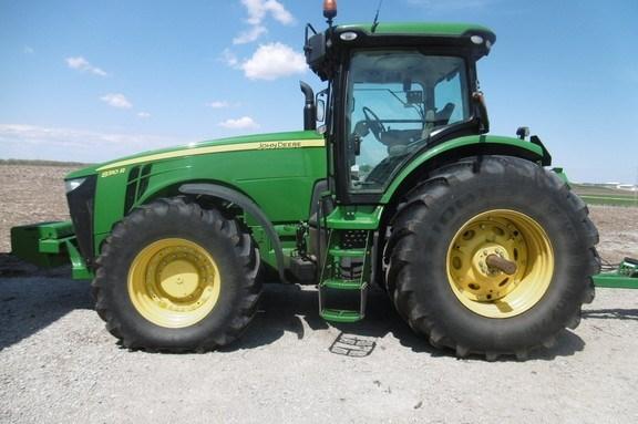 2013 John Deere 8310R Tractor For Sale