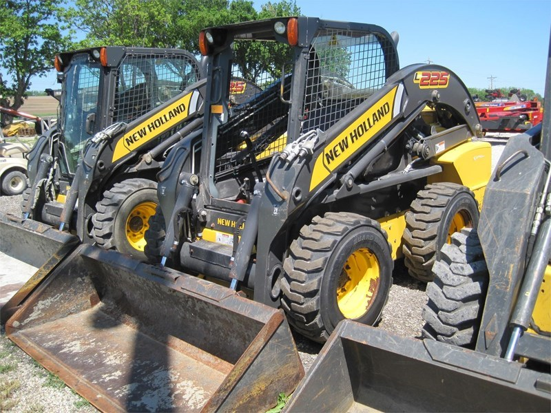 2014 New Holland L225 Skid Steer For Sale