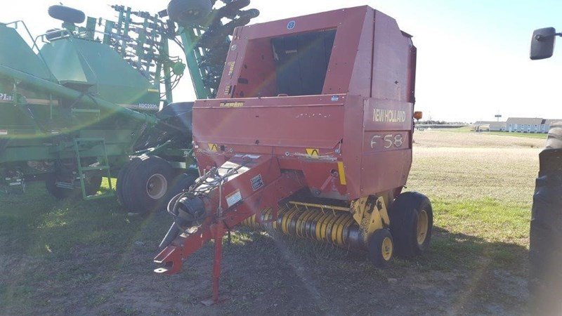 2002 New Holland 658 Baler-Round For Sale