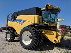 Combine For Sale 2013 New Holland CR8080