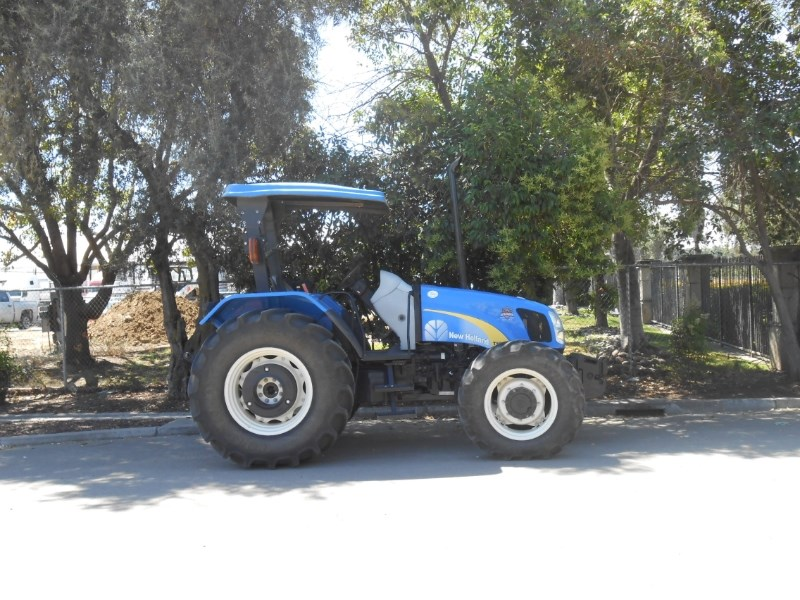 2013 New Holland T5070 Tractor For Sale