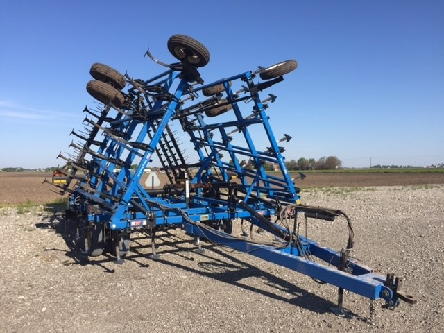 2001 DMI TM II Field Cultivator For Sale