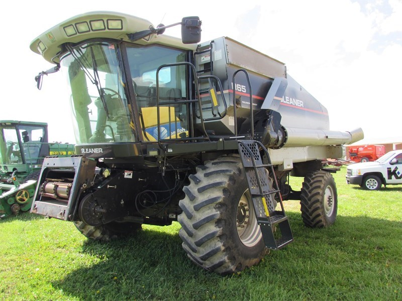 2004 Gleaner R65 Combine For Sale