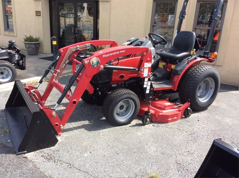 2016 Mahindra MAX 26XL Tractor For Sale