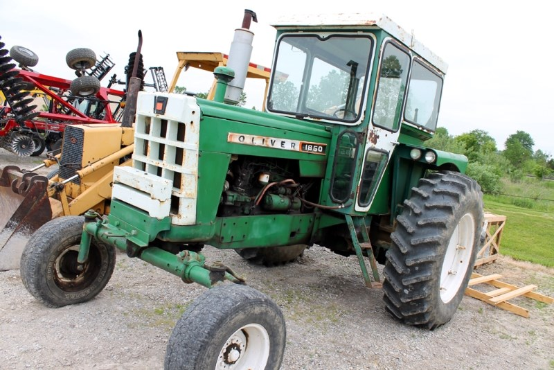 Oliver 1850 Tractor For Sale