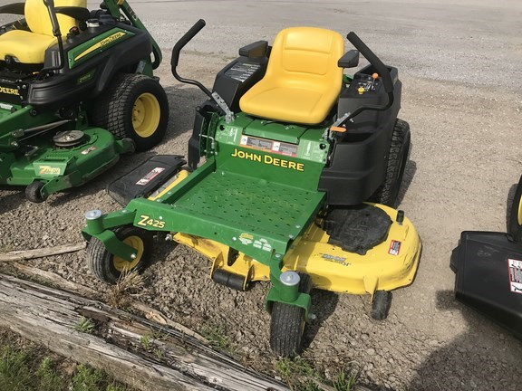 2015 John Deere Z425 Riding Mower For Sale