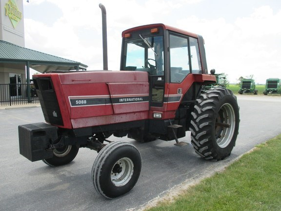 1981 Case IH 5088 Tractor For Sale