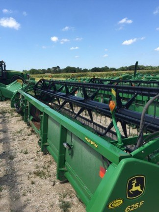 2014 John Deere 625F Header-Auger/Flex For Sale