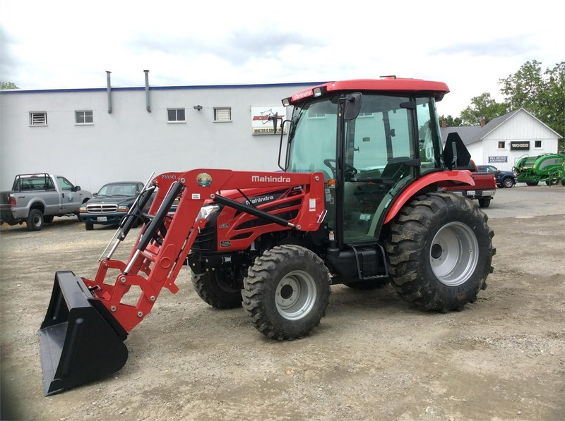 2016 Mahindra 2555 HST Tractor For Sale