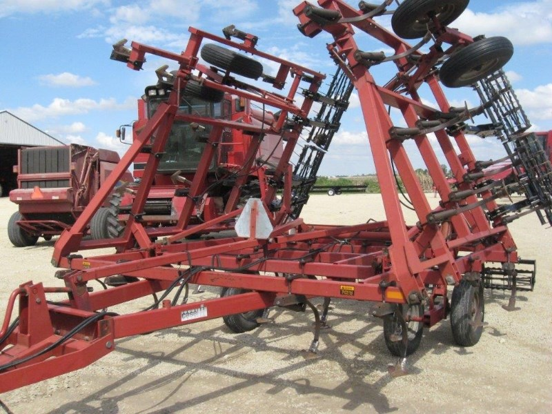 Case IH 4800 Field Cultivator For Sale