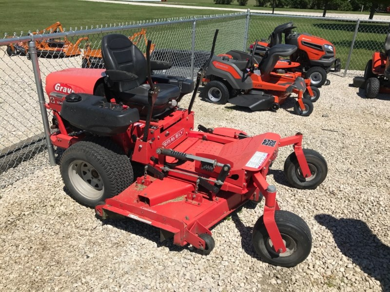 2000 Gravely PM 260Z Riding Mower For Sale