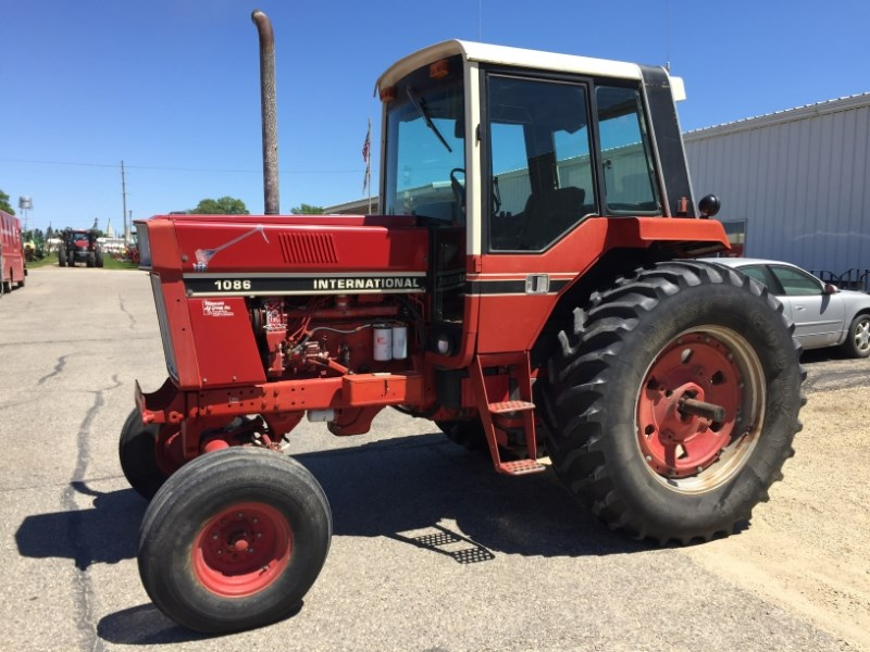 1977 International 1086 Tractor For Sale