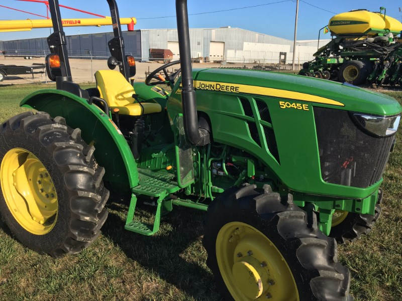 2016 John Deere 5045E Tractor For Sale