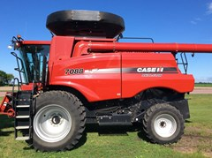 Combine For Sale 2010 Case IH 7088