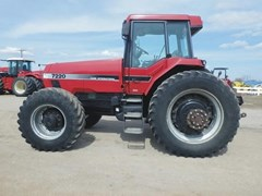 Tractor For Sale 1994 Case IH 7220
