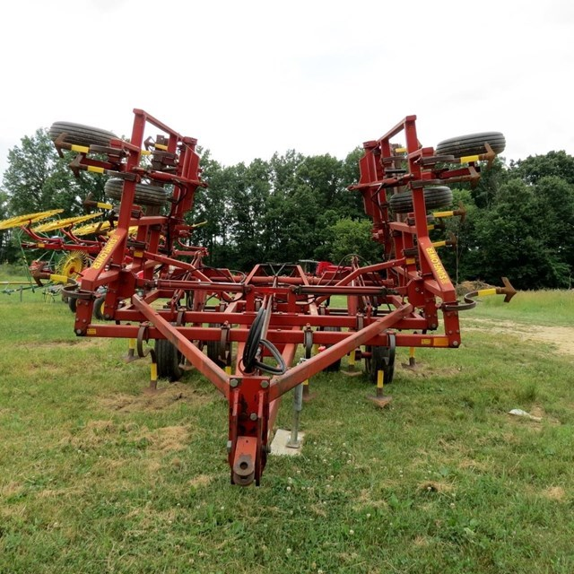 Sunflower 5231-23 Field Cultivator For Sale