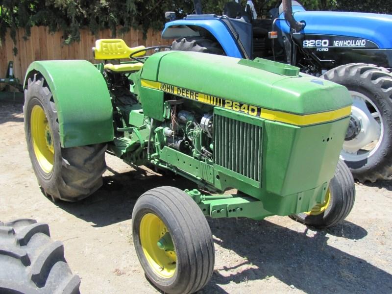 1981 John Deere 2640 Tractor For Sale