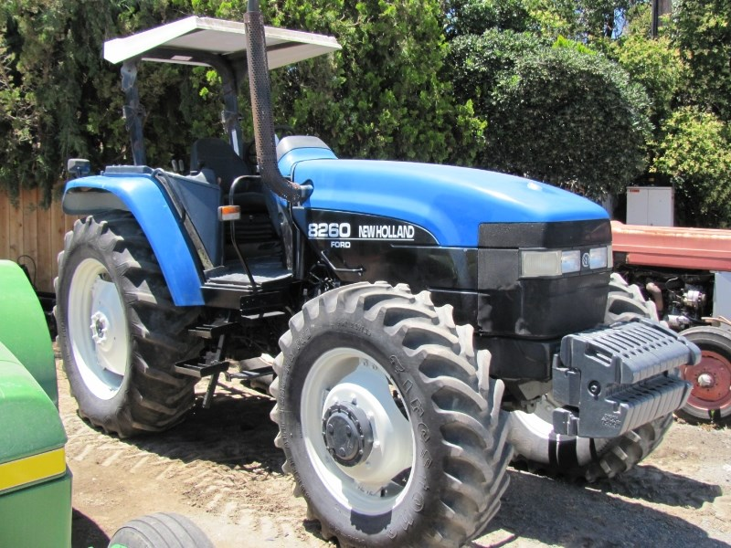 1998 Ford New Holland 8260 Tractor For Sale