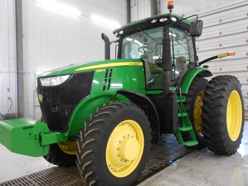 2013 John Deere 7230R Tractor For Sale